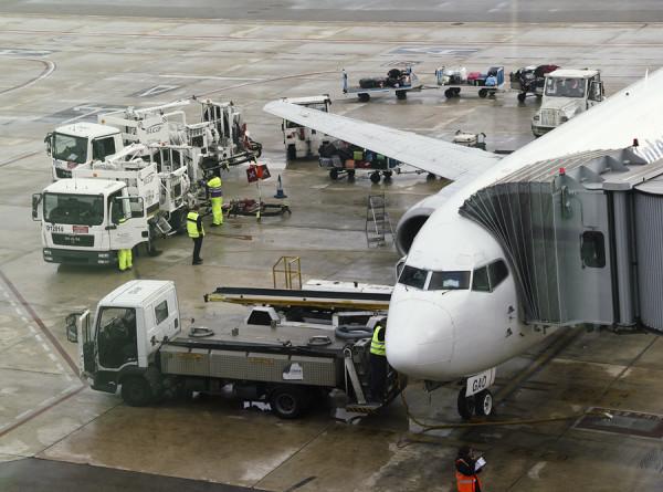 Сбой в системе привел к отмене более 200 рейсов в аэропорту Хитроу