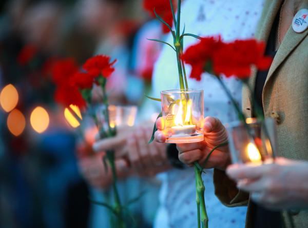 В Нур-Султане военные и дипломаты возложили цветы к памятнику Панфилова