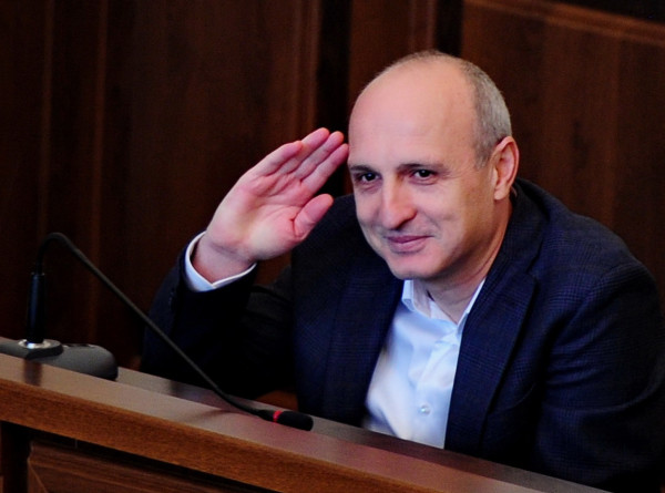 Бывший премьер Грузии Мерабишвили вышел на свободу после семи лет тюрьмы