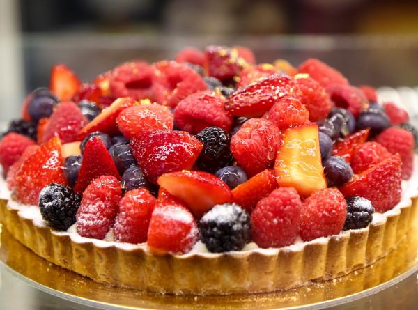 Проверенные рецепты выпечки на скорую руку: ягодный пирог к чаю