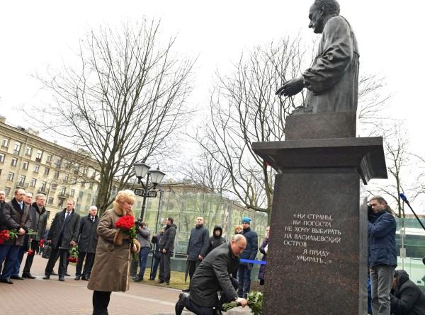 Демократ первой волны: Россия вспоминает Анатолия Собчака