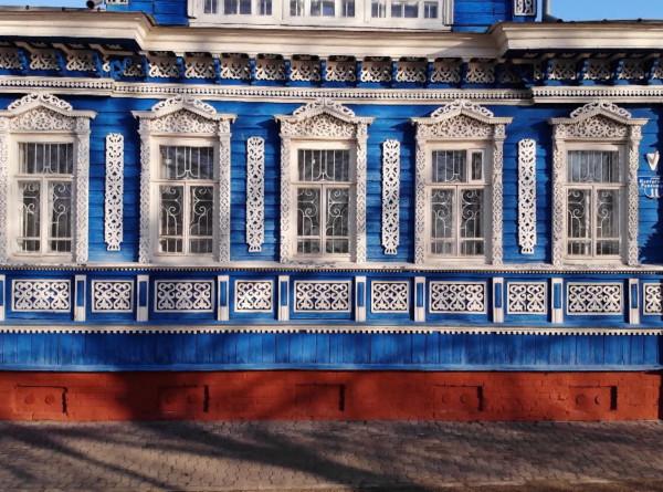 День защитника наличника: волонтеры в Нижегородской области спасают старинные украшения домов