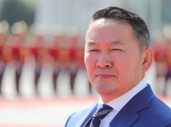 Вернувшийся из Китая президент Монголии помещен на карантин