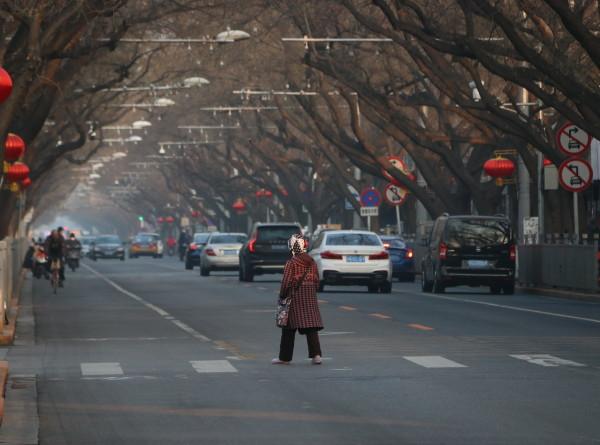 В провинции Хубэй из-за коронавируса ограничено движение пешеходов и транспорта