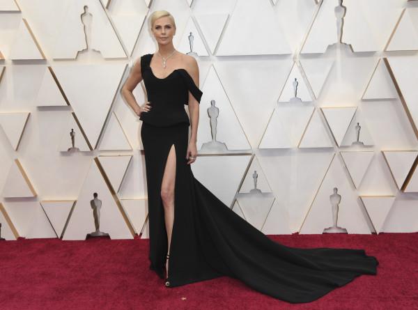 «Оскар-2020»: самые яркие наряды церемонии (ФОТО)