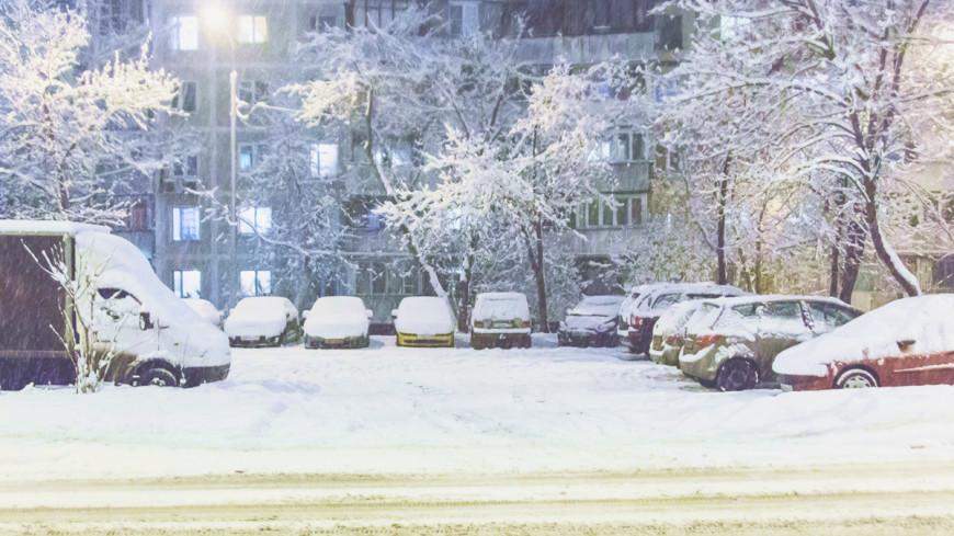 "Фото: Татьяна Константинова, ""«Мир 24»"":http://mir24.tv/, парковка, снег"