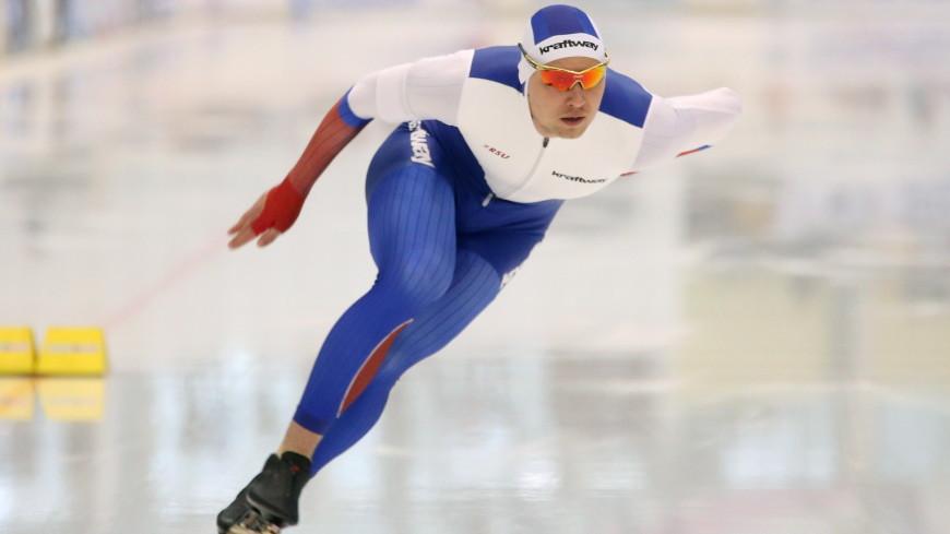 Конькобежец Кулижников взял золото ЧМ, несмотря на вывих плеча
