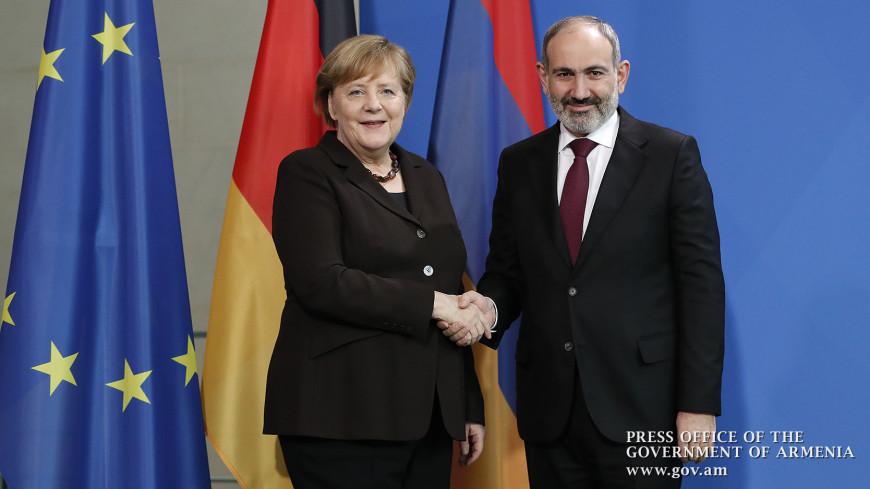 Пашинян на встрече с Меркель пригласил немецкие компании к сотрудничеству
