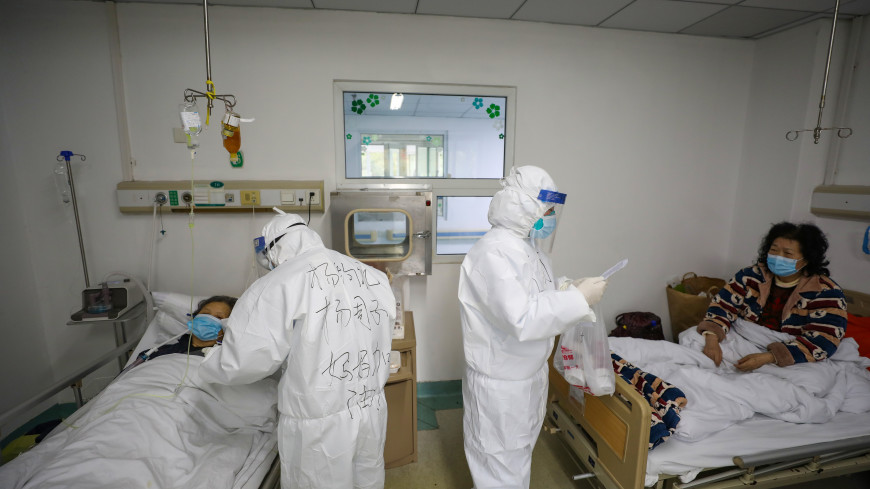 Глава одного из временных госпиталей в китайском Ухане скончался от коронавируса