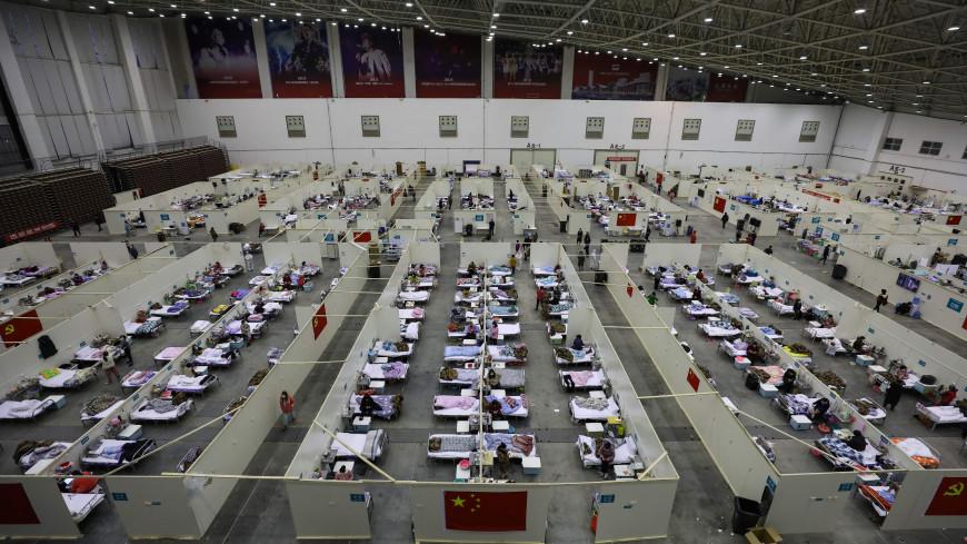 Число жертв коронавируса в Китае достигло 2345 человек