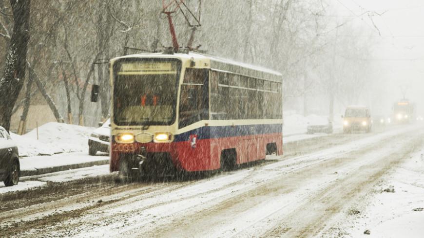 "Фото: Максим Кулачков, ""«МИР 24»"":http://mir24.tv/, снег, трамвай, зима"