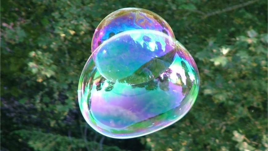 Назван рецепт раствора для гигантских мыльных пузырей