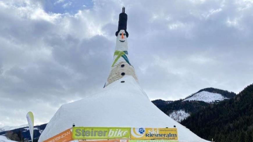 Сорокаметровый Ризи: в Австрии слепили самого большого в мире снеговика