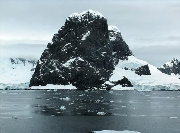 В Антарктиду с «Миром». 10 фактов о самом южном материке