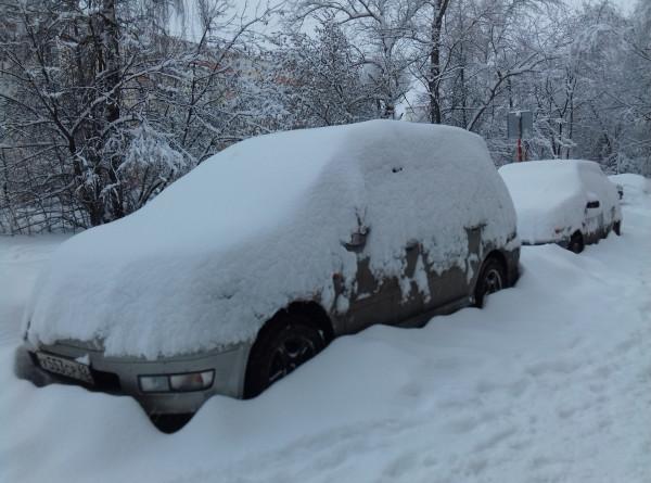 Более 10 человек, в том числе детей, спасли из занесенных снегом машин под Оренбургом