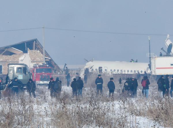 Крушение Fokker в Алматы: комиссия проверяет законность построек у аэропорта