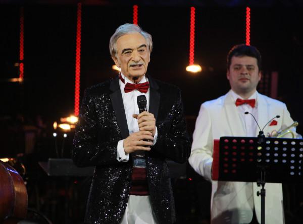 «Стальной соловей»: Полад Бюльбюль оглы в честь 75-летия дал концерт в Москве