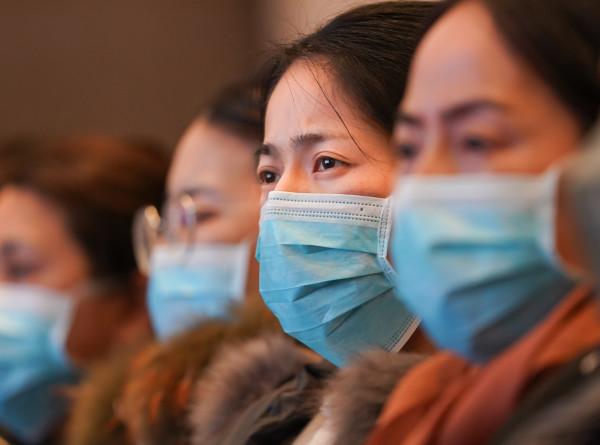 СМИ: Число заразившихся коронавирусом китайцев выросло до 4515