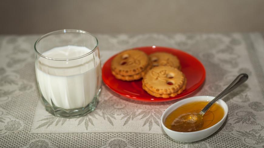 Молоко,молочные продукты, молоко, печенье, мед, перекус, завтрак,