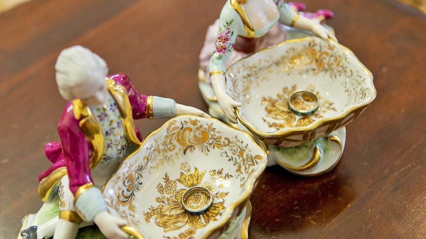 """Фото: Алан Кациев, """"«Мир 24»"""":http://mir24.tv/, любовь, кольца, бракосочетание, брак, дворец бракосочетаний, свадьба, семья"""
