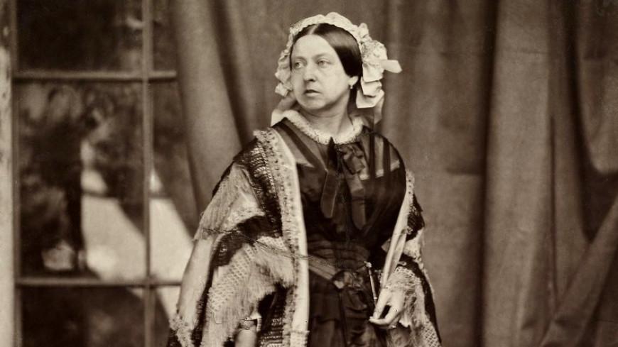 Панталоны,корсеты и сапоги королевы Виктории ушли с молотка за $21,5 тысячи
