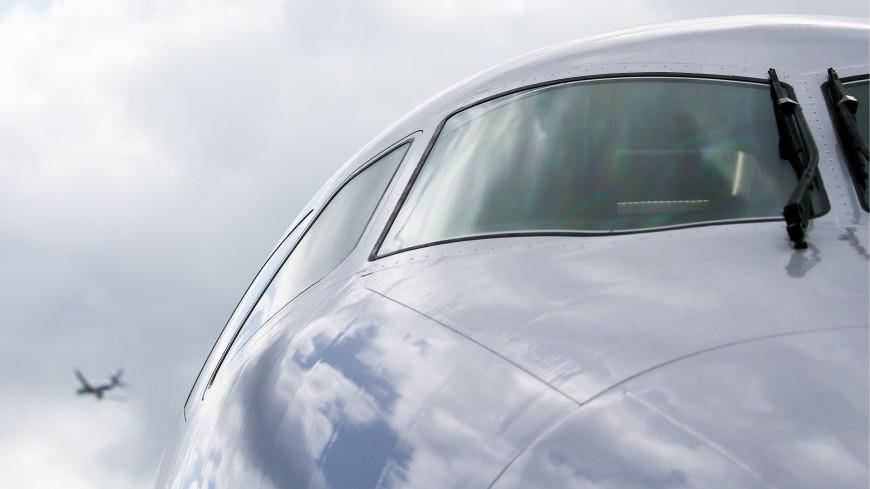 В Домодедово самолет приземлился на недостроенную полосу