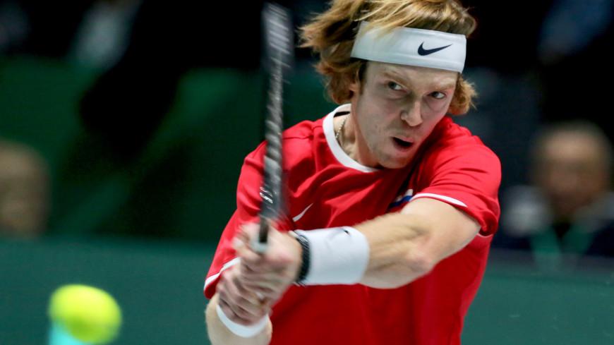 Теннисист Андрей Рублев вышел в четвертьфинал турнира в Дохе