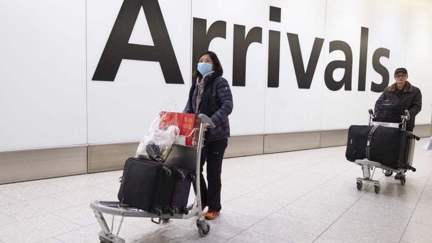 Из-за страха перед коронавирусом жители Уханя скупают продукты чемоданами