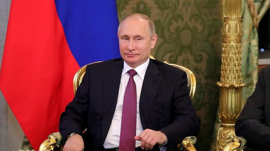 Владимир Путин поздравляет россиян с новым  2017 годом,новый год, Путин, поздравление, телевизор, тв, ,новый год, Путин, поздравление, телевизор, тв,