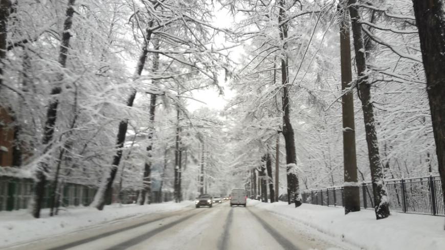 Зеленый снег испугал жителей Челябинска