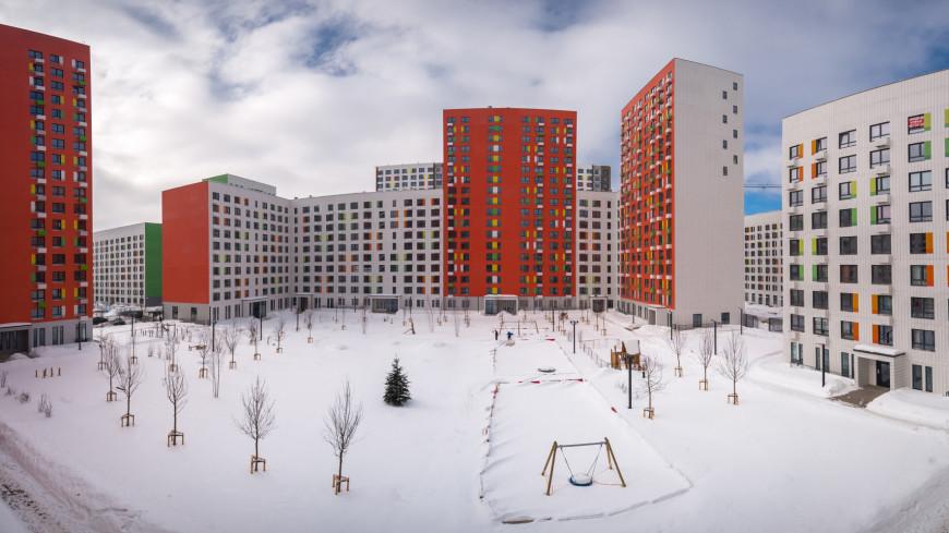 Зима в городе (снег, сугроб, холод, мороз, город, дом, многоэтажка)