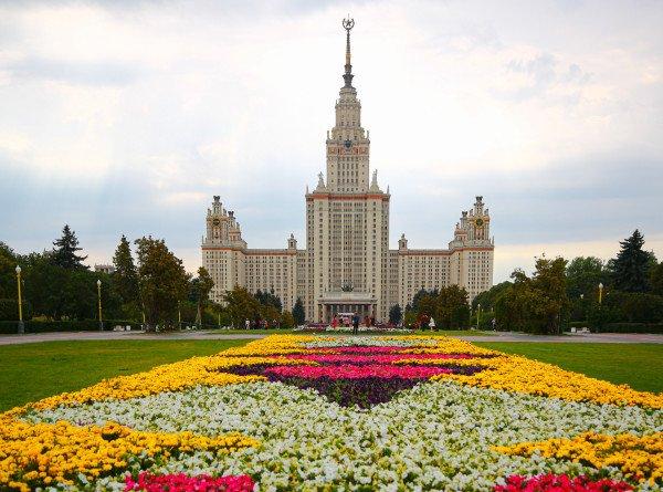 Сроки поступления в вузы России сдвинулись из-за пандемии