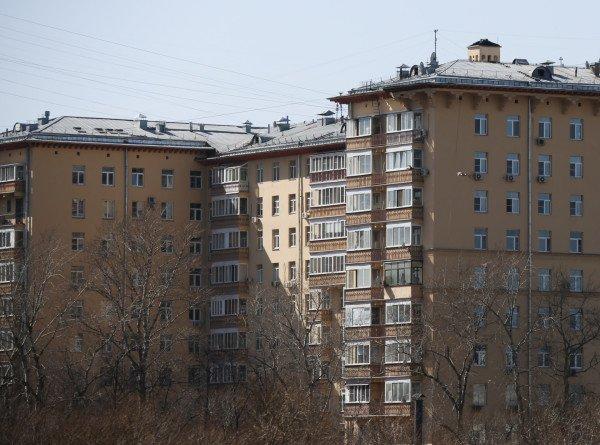 В Калининграде ребенок упал с восьмого этажа и выжил