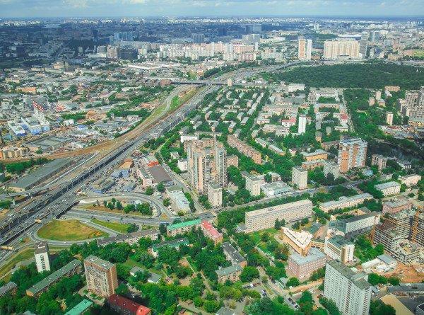 Синоптик рассказал, с чем связаны резкие изменения погоды в Москве