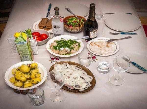 Китайский блогер назвал самые необычные российские блюда