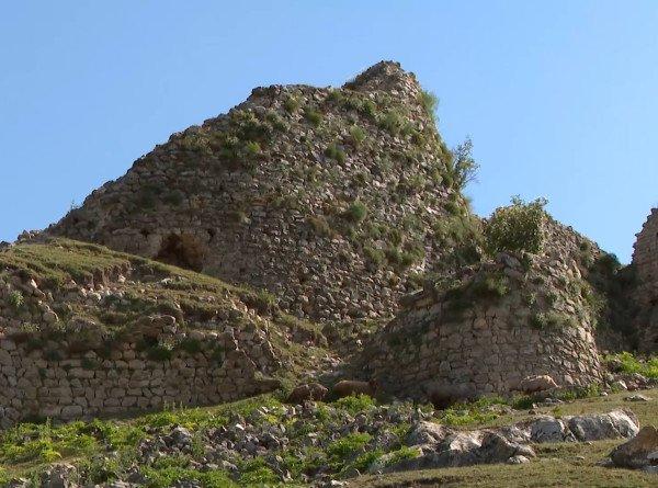 Увидеть крепость на скале и попробовать партламу: пять причин поехать в Гедабек