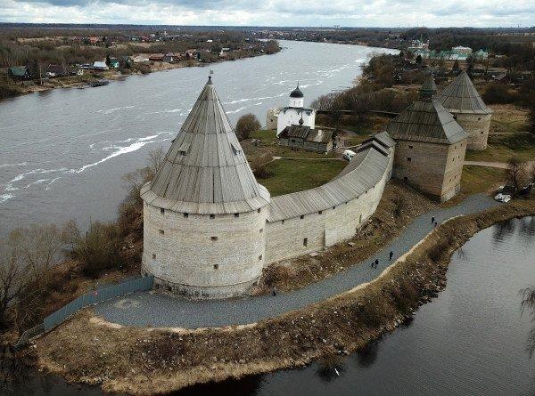 Фьорды, нерпы и молочные реки: как живет Ленинградская область?