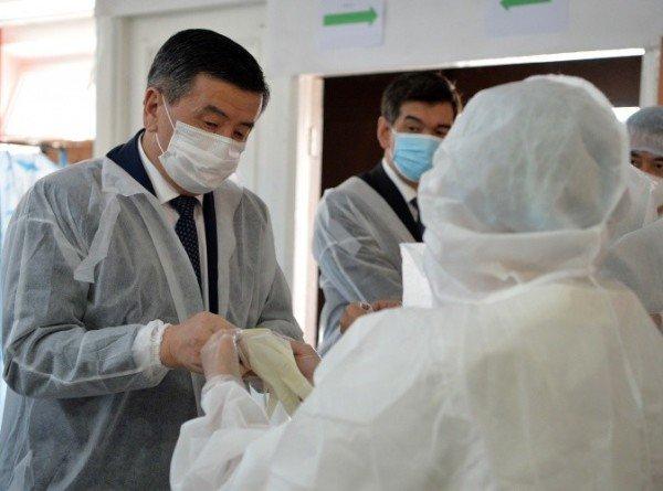 Под контролем президента: Жээнбеков проверил работу дневных стационаров