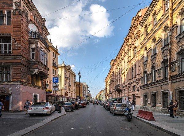 В Питере жить: жители улицы Рубинштейна лишены сна