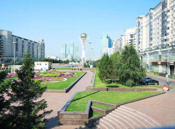 В Казахстане из-за роста случаев коронавируса продлен жесткий карантин