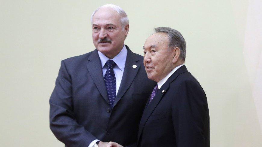 Лукашенко поздравил Назарбаева с 80-летием и пригласил на саммит ЕАЭС в Минск