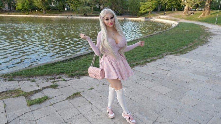Венгерская Барби: девушка потеряла работу из-за сводящей мужчин с ума красоты
