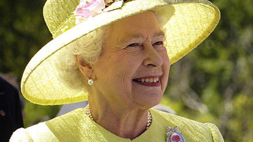 В пятницу королева Елизавета посвятит в рыцари 100-летнего ветерана
