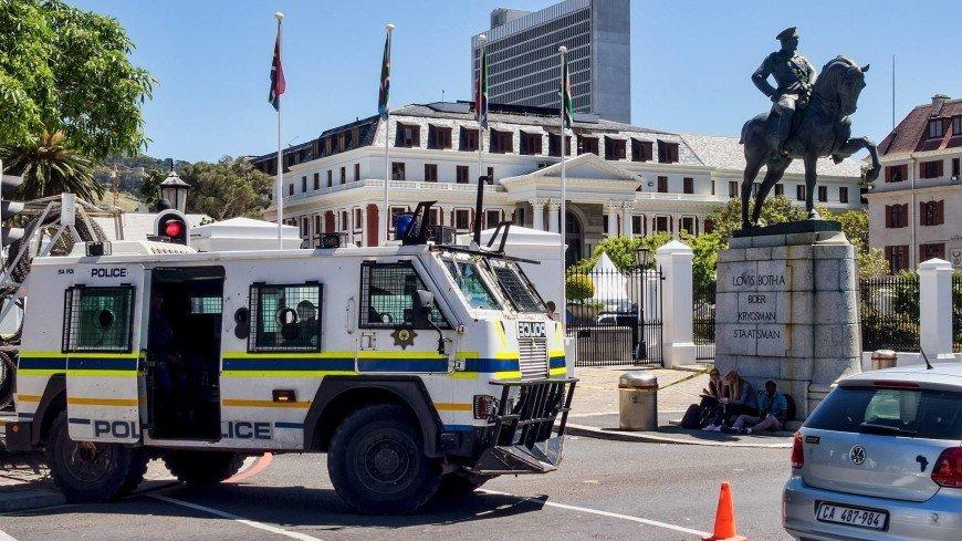 Заложников в церкви близ Йоханнесбурга освободила полиция: пятеро убиты