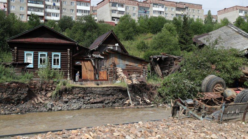 В пострадавшие от паводка Нижние Серги волонтеры привезли продукты