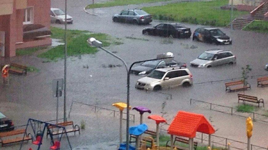 """Фото: Анжелика Тараканова (МТРК «Мир»)"":http://mirtv.ru/, наводнение, затоп, ливень, дождь, осадки, потоп"