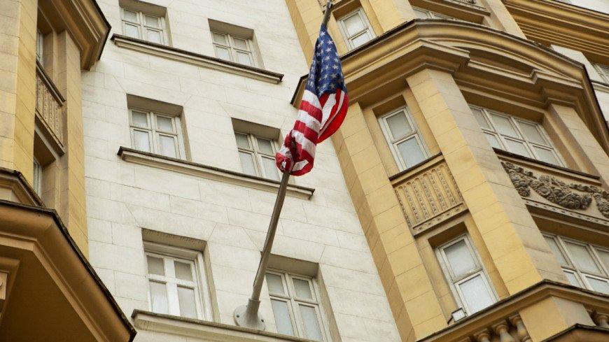 "Фото: Алан Кациев, ""«Мир24»"":http://mir24.tv/, флаг сша, посольство сша"