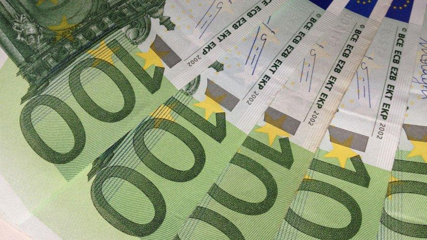 Курс евро поднялся выше отметки 85 рублей