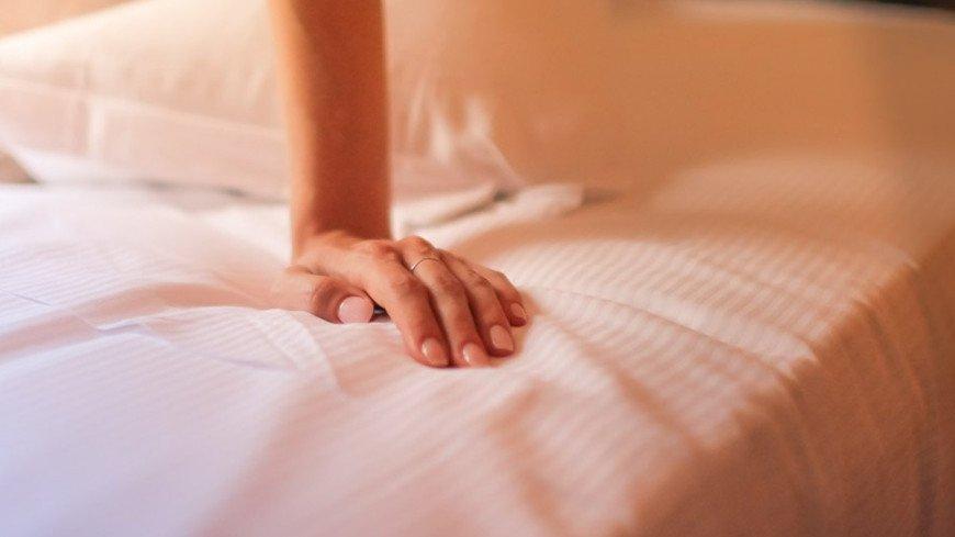 """Фото: Елизавета Шагалова, """"«МИР 24»"""":http://mir24.tv/, рука, секс, любовь, кровать, девушка"""