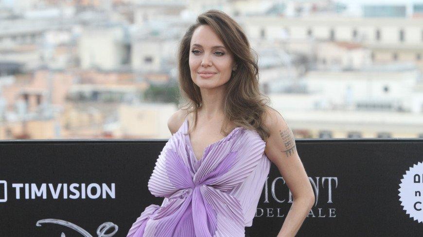Анджелина Джоли назвала дочь Захару «необыкновенной африканской женщиной»